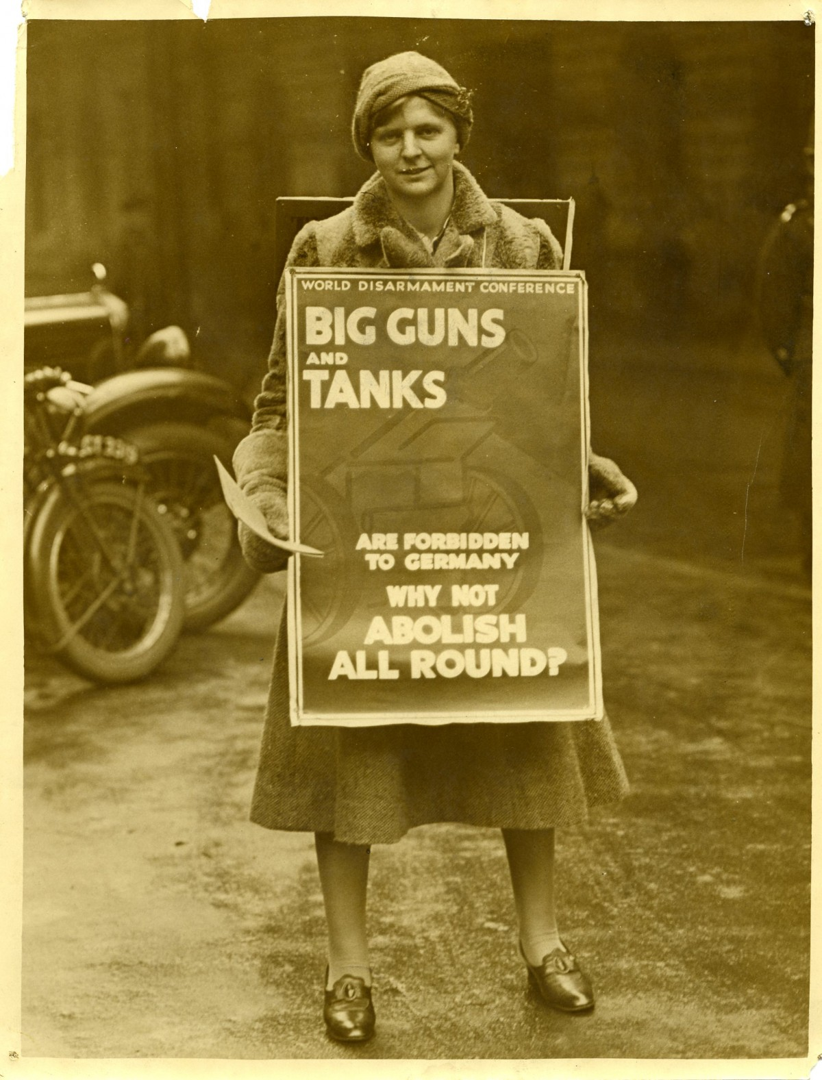 World disarmament campaigner, c. 1930 - 1932